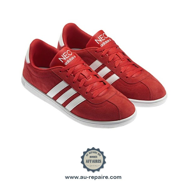 ... Baskets Adidas Neo Court Suede coloris rouge bandes blanches